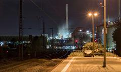 abendlicher Bahnsteig