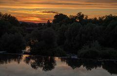 Abendrot am Fluss