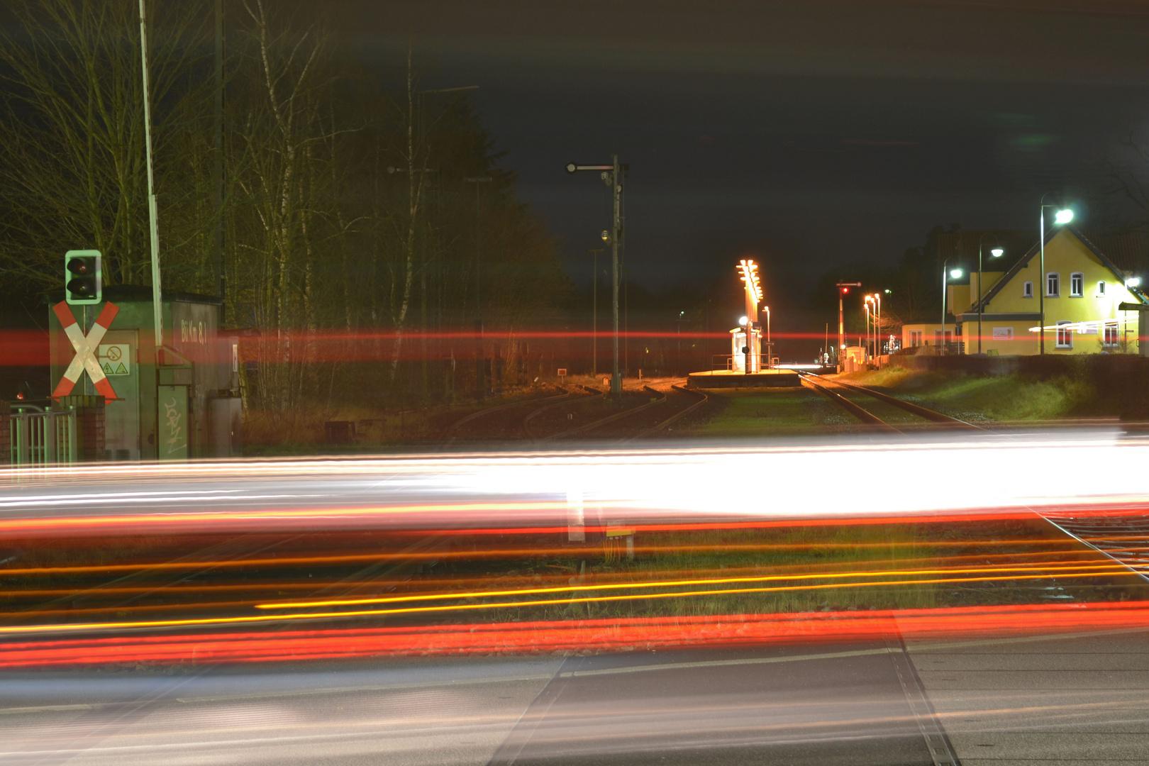 Abends am Bahnübergang