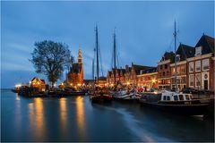 Abends am Hafen . . .