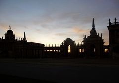 Abends am Neuen Palais in Sanssouci