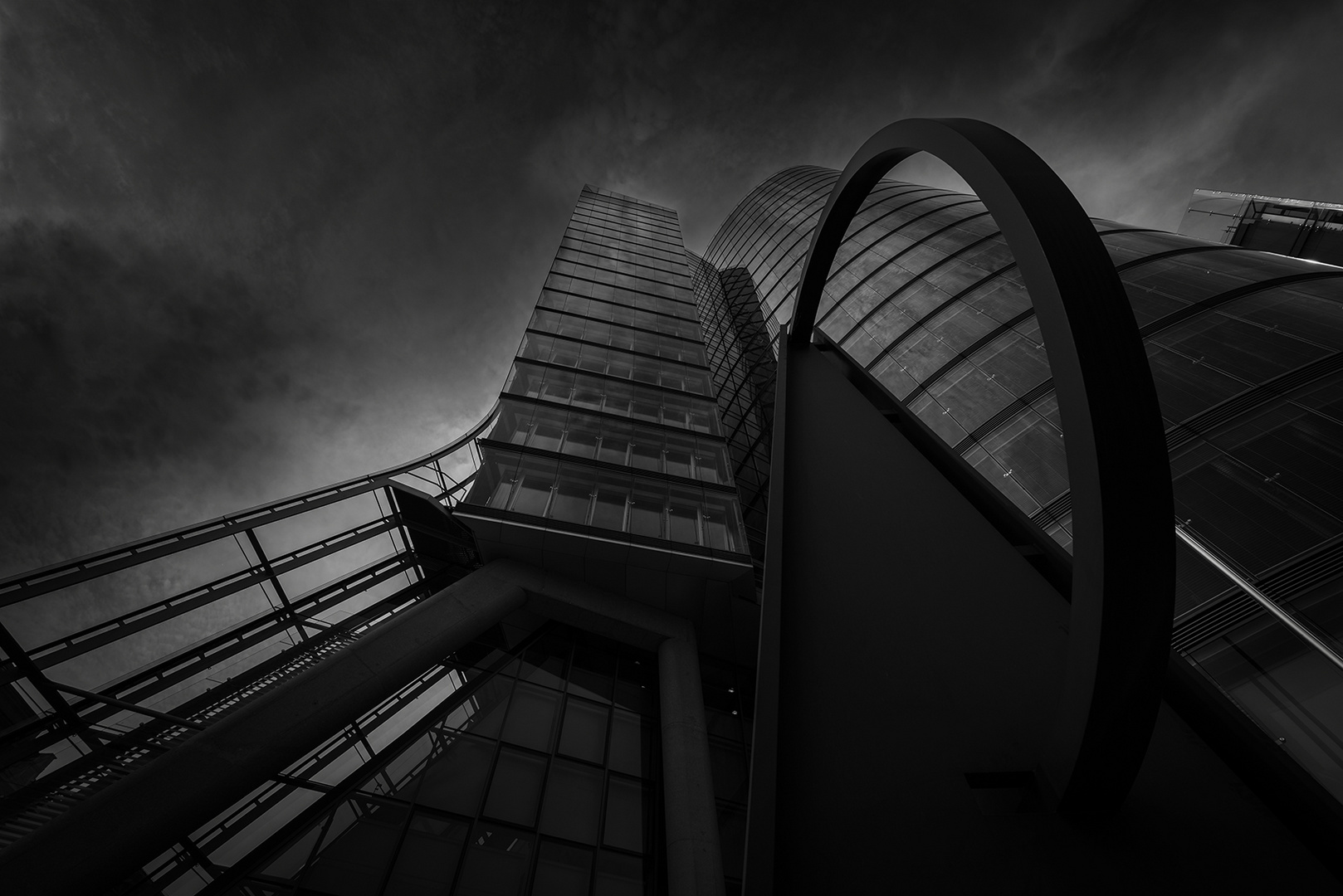 Abends am Uniqa Tower