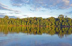 Abends am Urwaldfluss Rio Tambopata