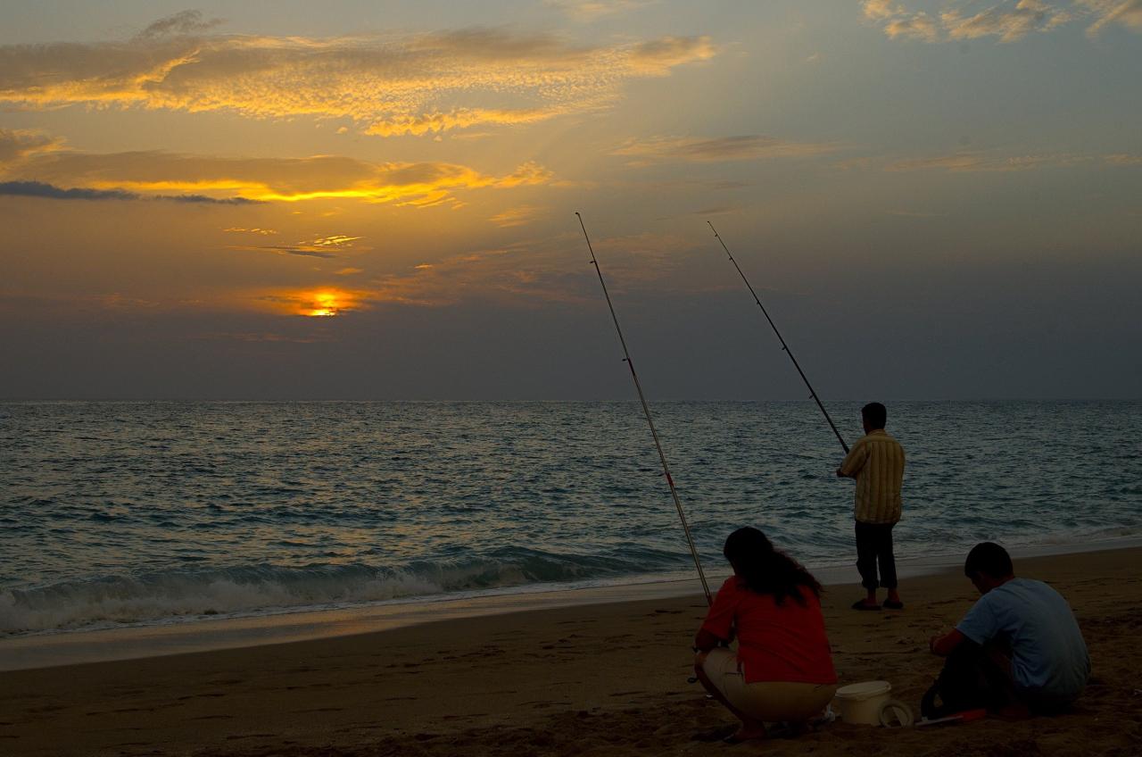 Abends an strand...... Die Angel... das Meer... was will man mehr
