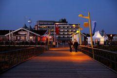 Abends auf der Strandbrücke...
