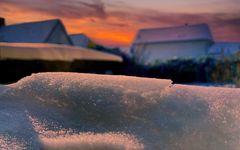 Abends im Garten mit Schnee...