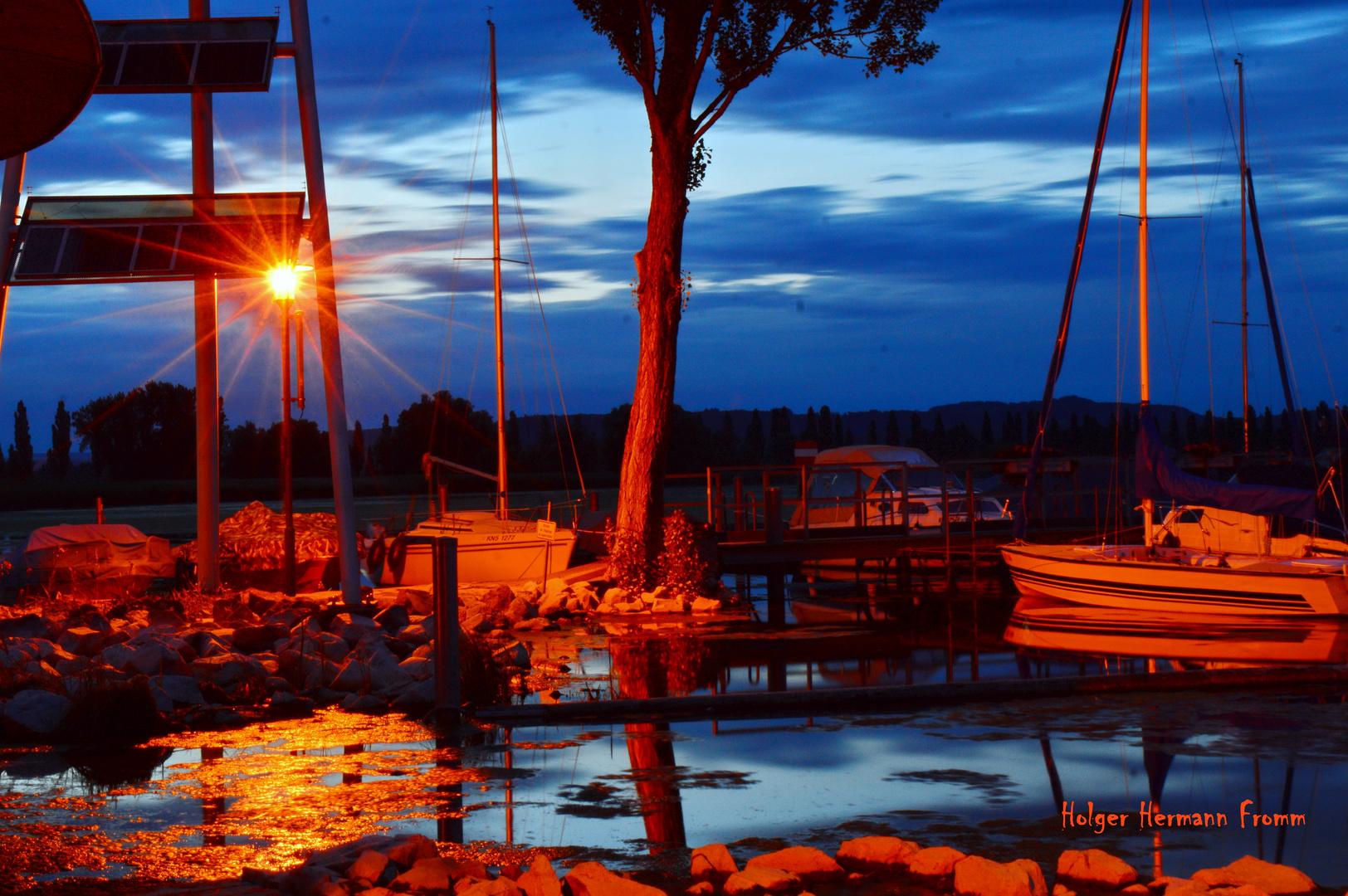 Abends im Hafen von Moos / Bodensee