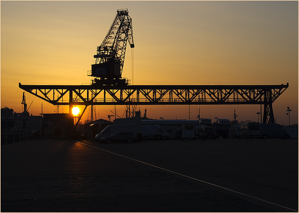 Abends im Stadthafen (II)