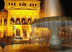 ...abends vor der Alten Oper in Frankfurt