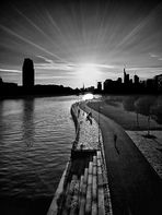 Abendsonne am Fluss - SW