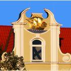 Abendsonne auf dem Giebel des Hauses der ehem. Lübeck-Linie