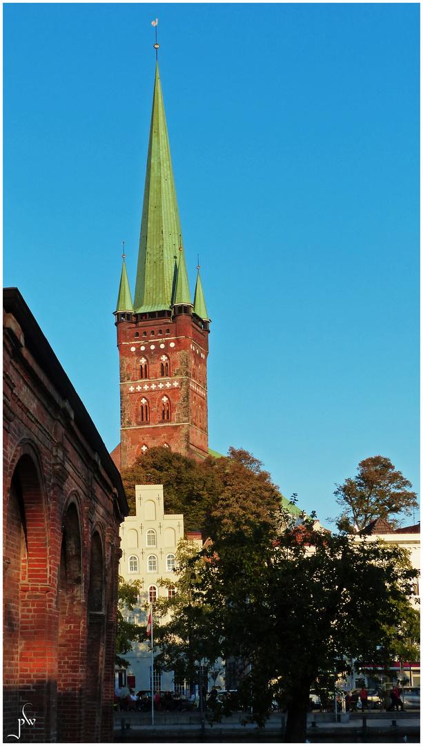 Abendspaziergang an der Lübecker Obertrave - St. Petri