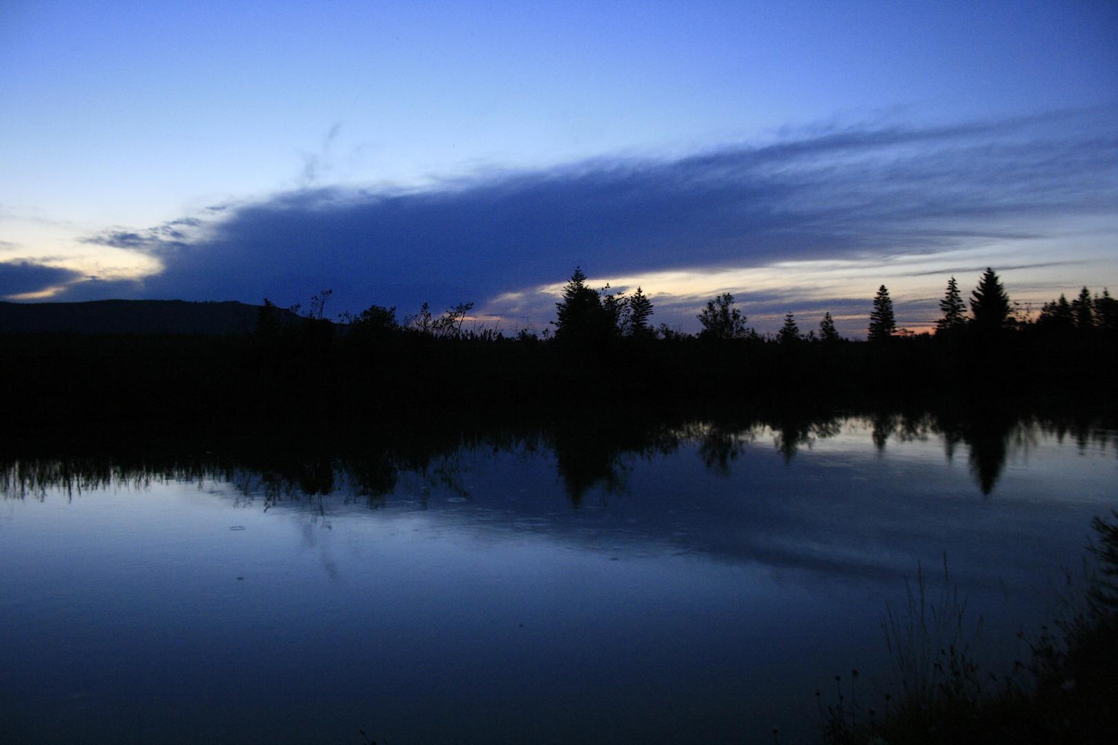 ...Abendstimmung am Fluss...