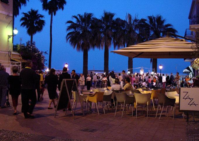 Abendstimmung an der Strandpromenade