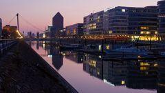 Abendstimmung in der Marina Duisburg