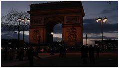 Abendstimmung über den Arc de Triomphe de l'Etoile