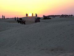 Abendverkehr in der Wüste von Tunesien