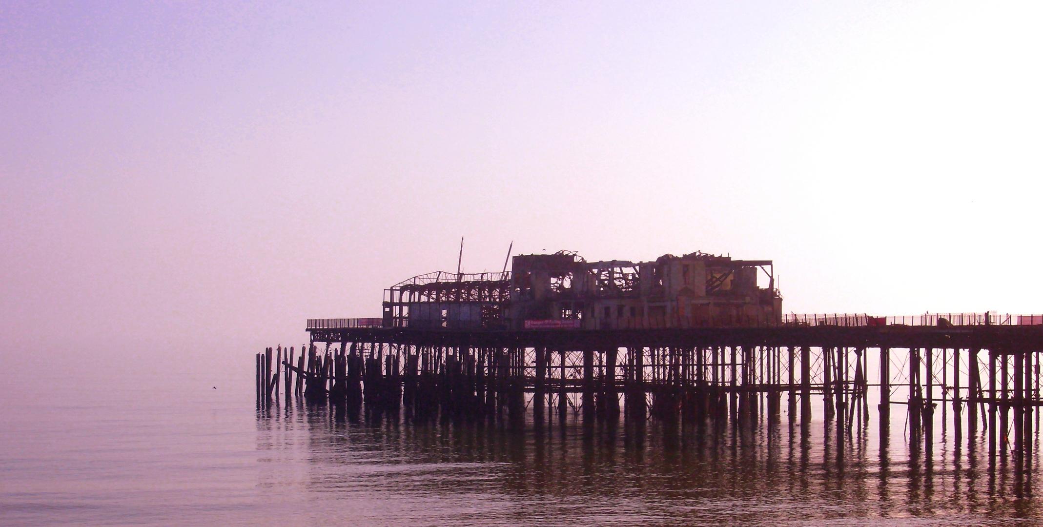Abgebrannter Pier