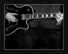 About Humbuckers and Humbuggers