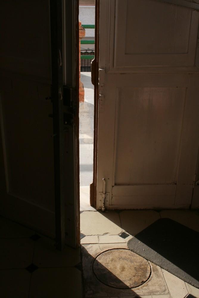 ...Abriendo puertas