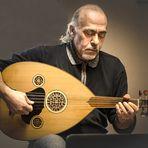 Abu Firras spielt die Oud