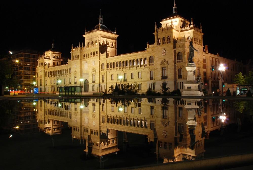 Academia de caballeria Plaza de Zorrilla ( Valladolid )