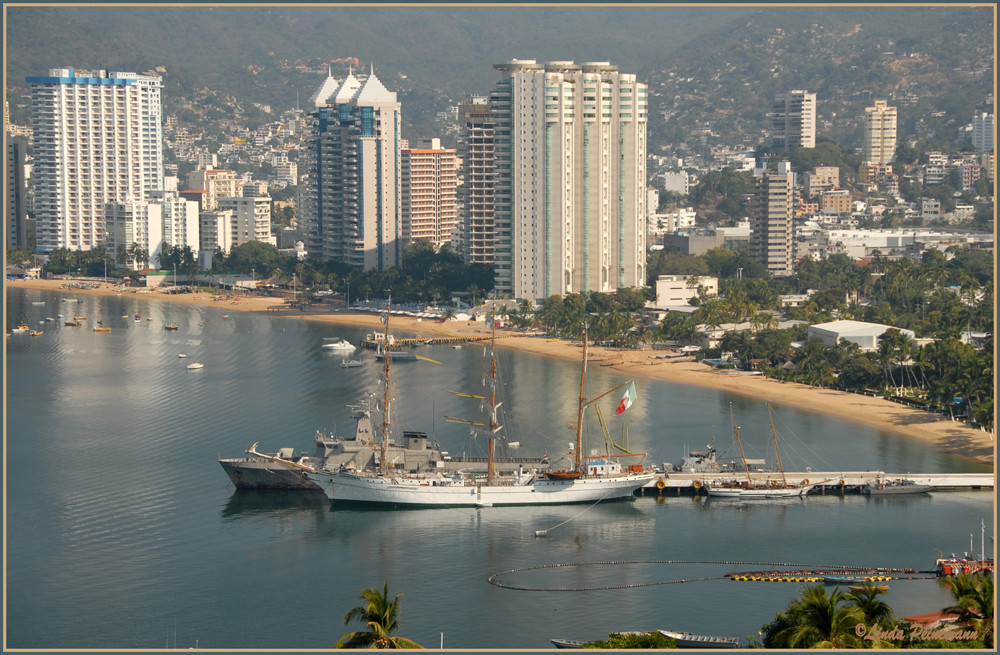Acapulco - glitter, glamour & a lot more........................