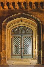 Acht geheime Türsteher...