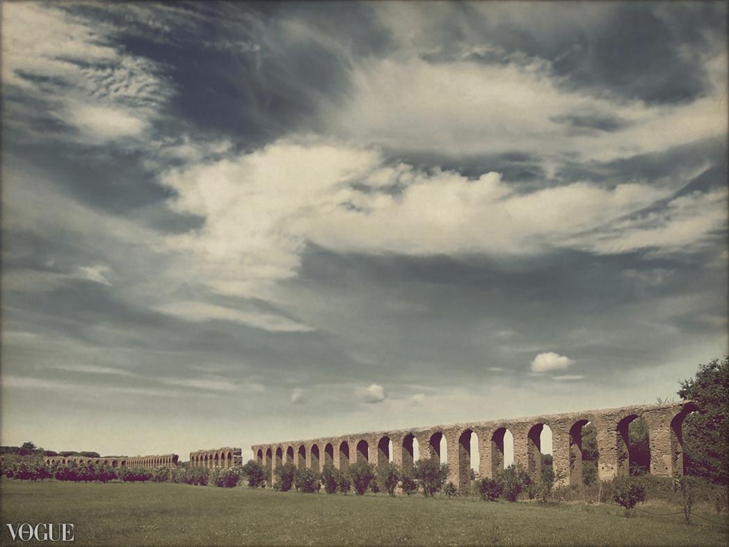 acquedotto lungo la via appia antica
