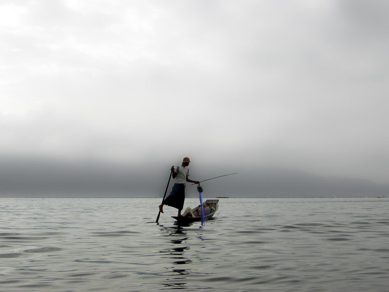 Acróbatas del lago