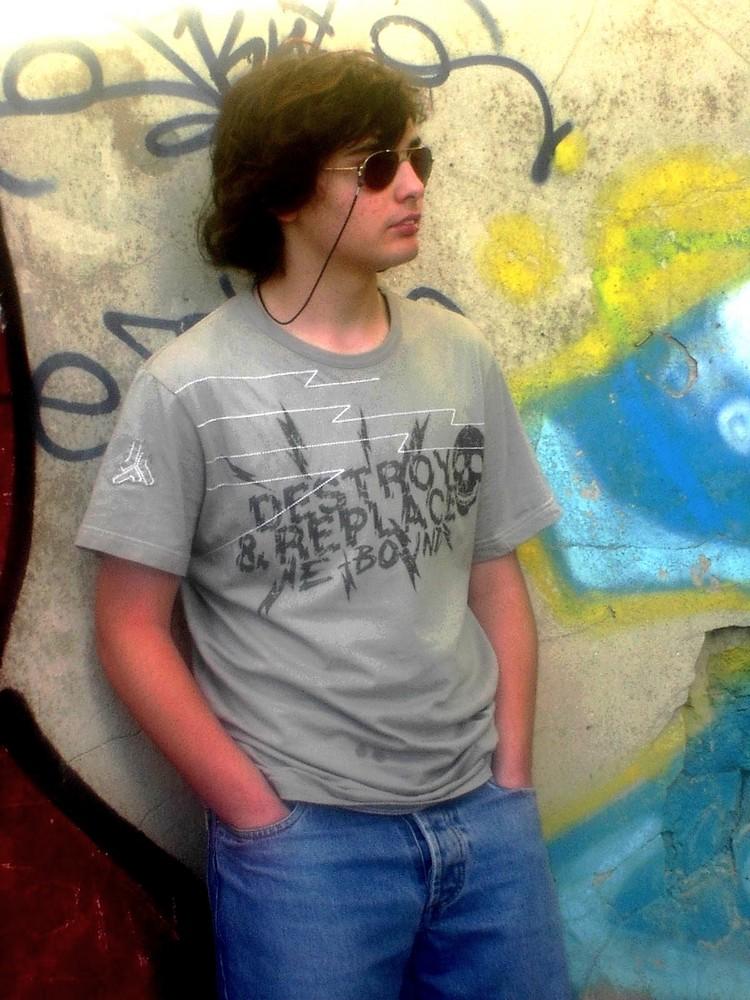 Adolescent et Graffitis