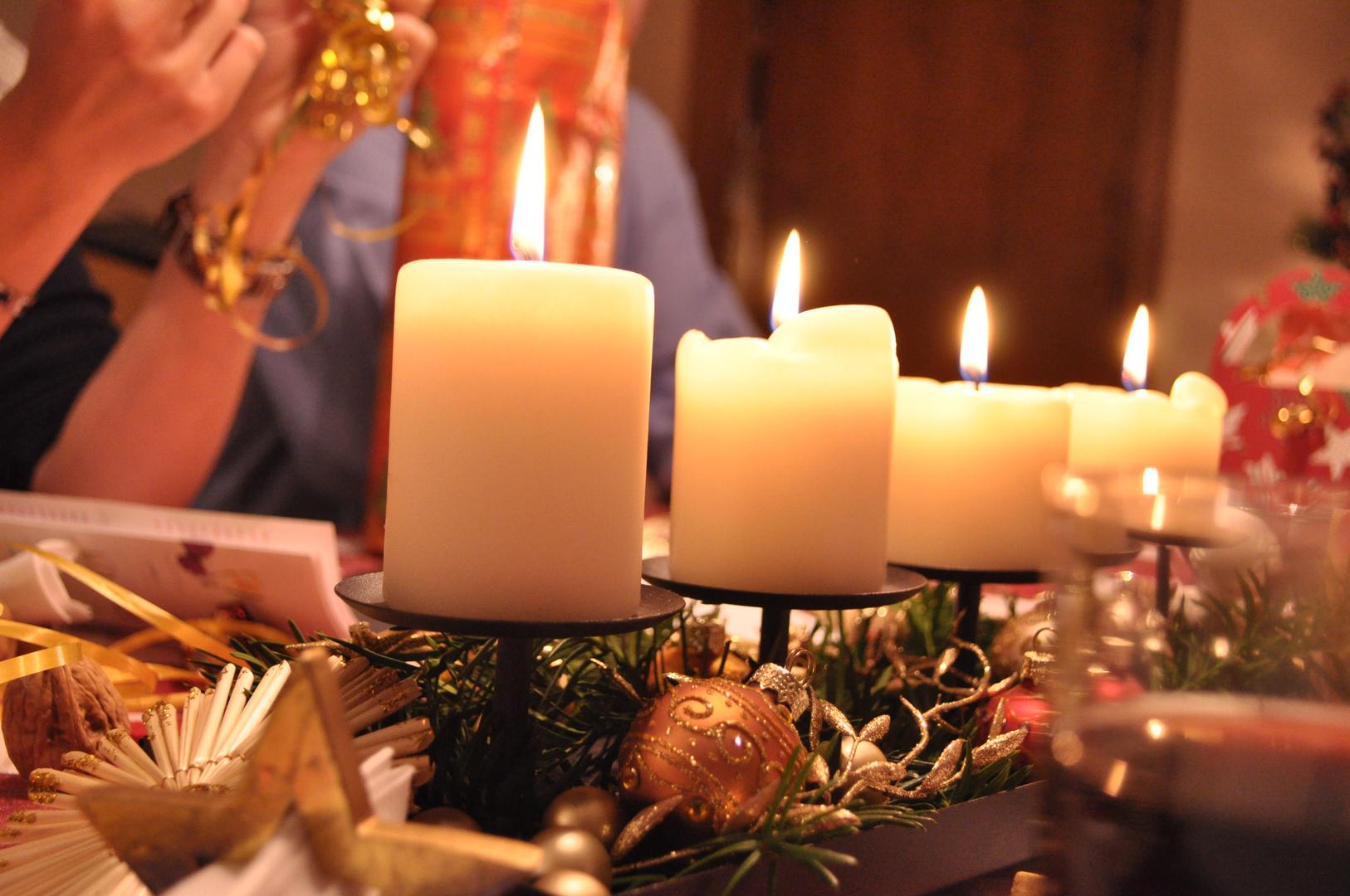 Advent Advent Ein Lichtlein Brennt Foto Bild Invictus