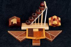 Ästhetische Knobelspiele aus Holz.