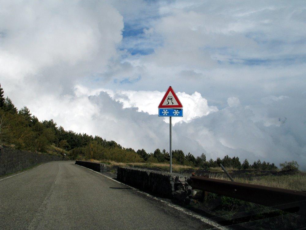 Ätna - Fahrt durch die Wolken