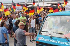 AFD Kundgebung und Gegendemo in Warnemünde (5)