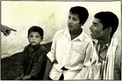 Afghan boy school....