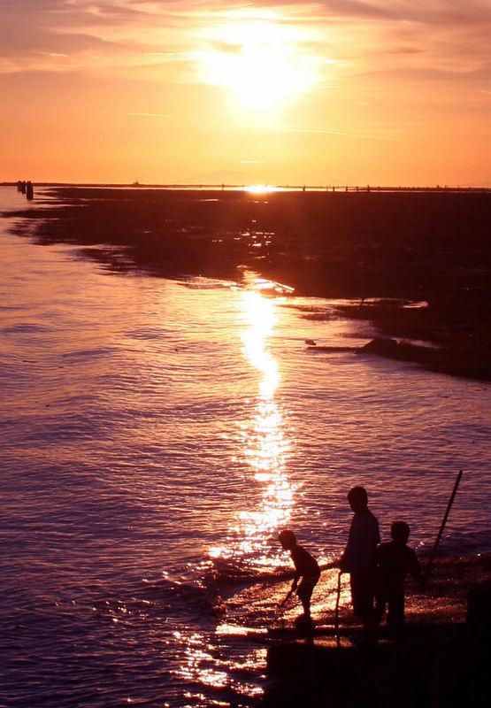 african sunset kids