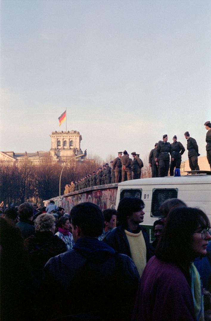 After The Wall - Südseite Brandenburger Tor