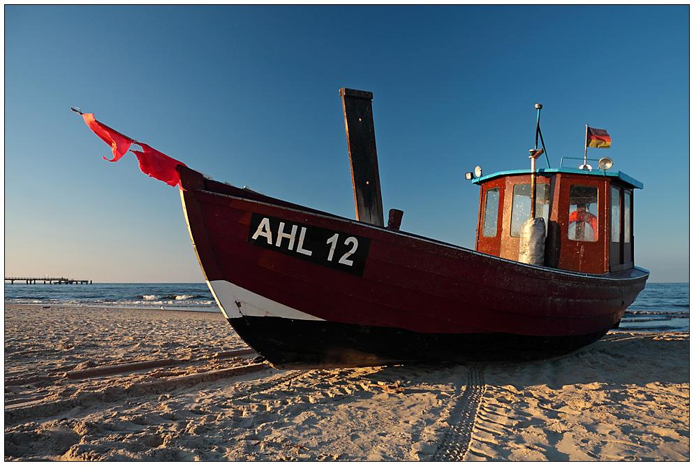 AHL 12 (2)