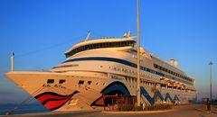 AIDA aura vor Korfu-Stadt