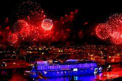 AIda Feuerwerk rot-lila