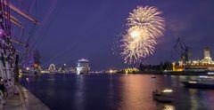 AIDA Feuerwerk zum Hafengeburtstag in Hamburg 2018