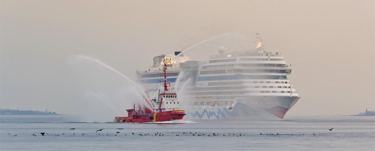 AIDAsol....Willkommen in Kiel....
