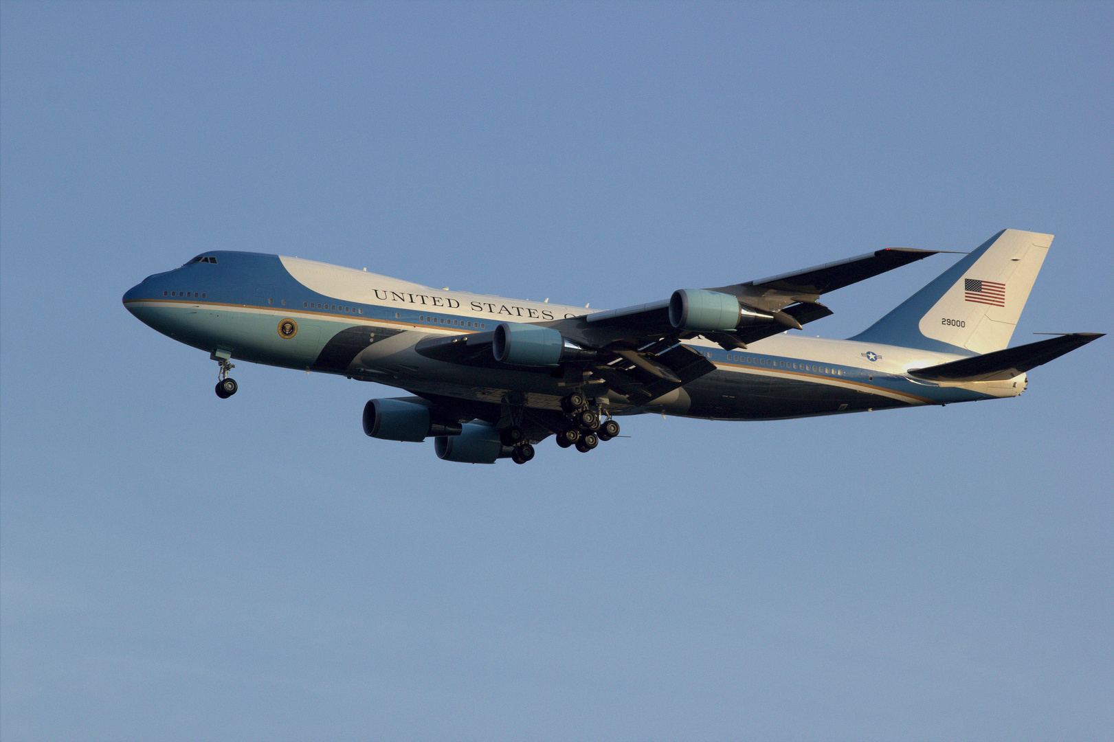Air Force One (VC-25A, 29000)