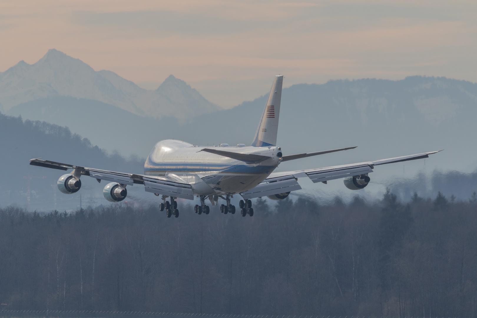 AIR FORCE ONE Zürich Kloten 25.1.2018 (WEF) D.TRUMP