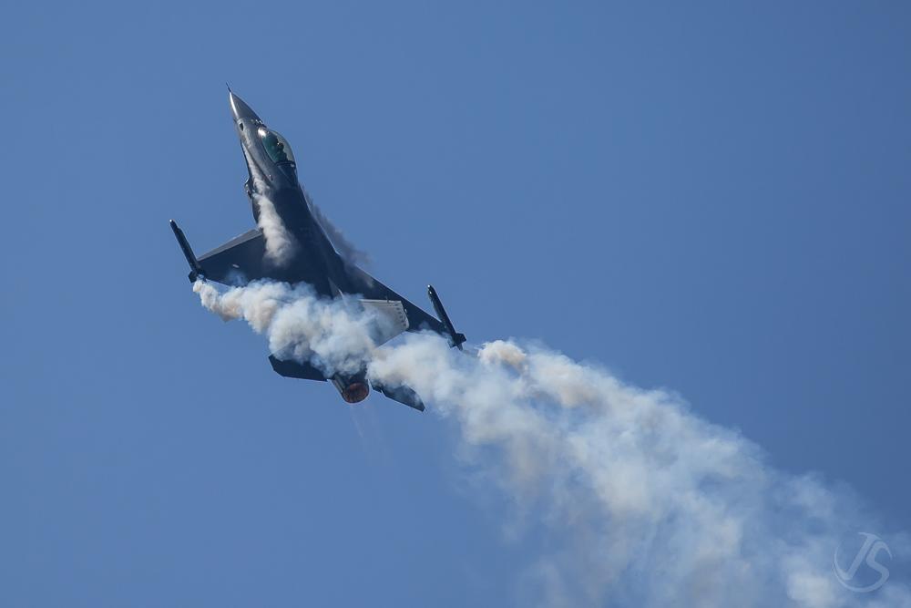 AIR14 - F16