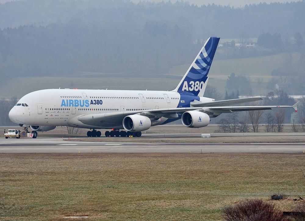 Airbus 380 in Züich