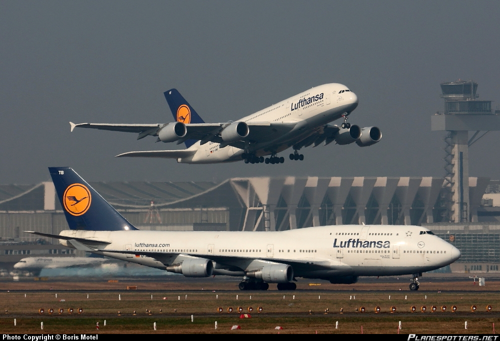 Airbus A-380-841 vs Boeing 747-430