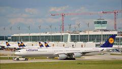 Airbus A340-600 der Lufthansa ........