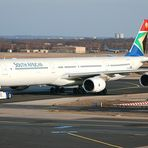 Airbus A340-600 der South African in Frankfurt